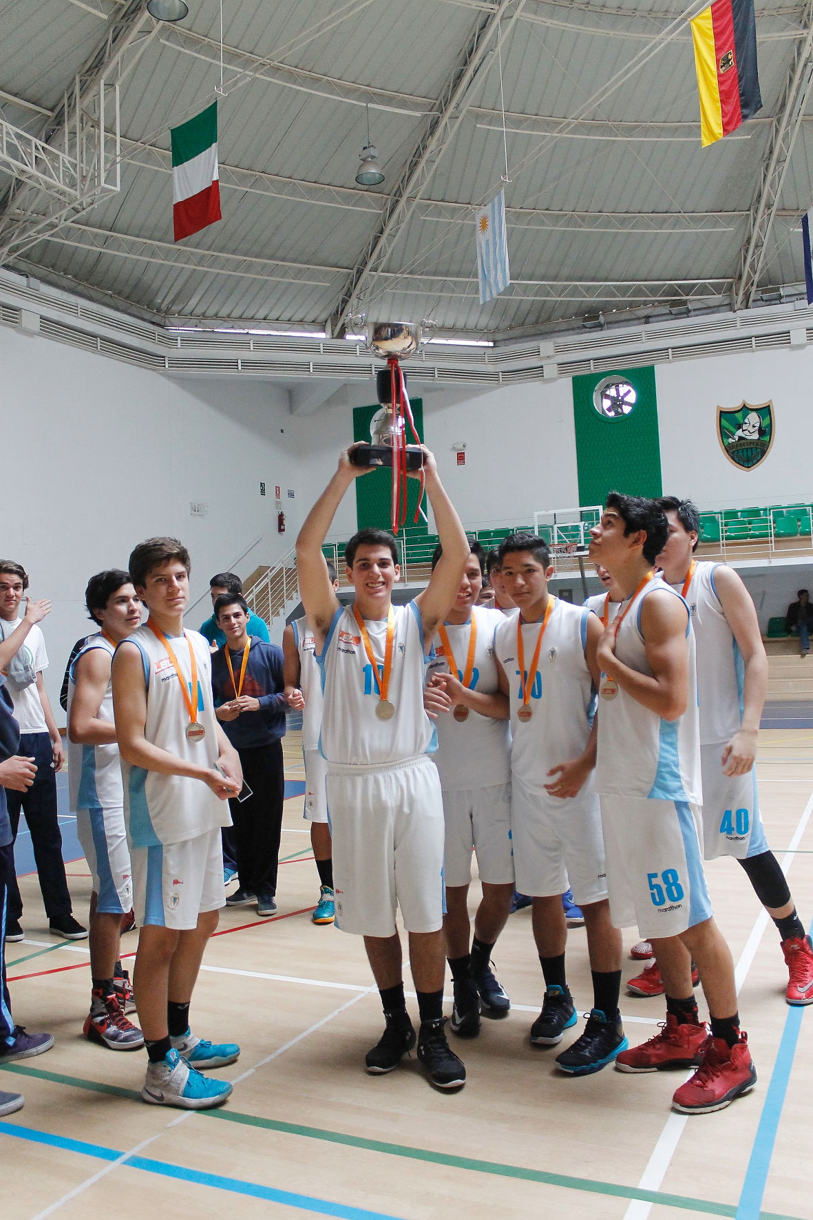 CAMPEON SUB 17 - REGATAS 25